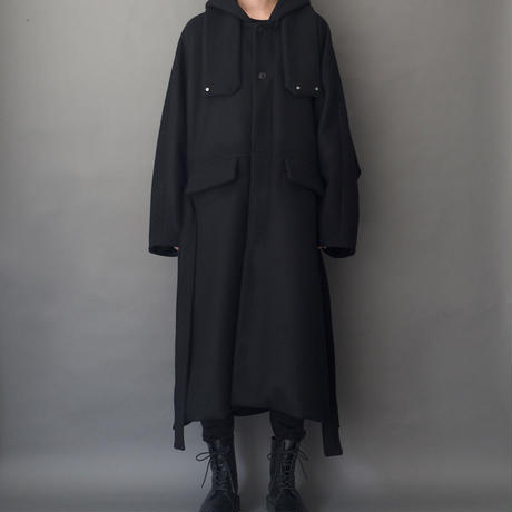WIDE HOODED COAT