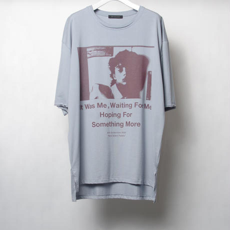 "GRAPHIC T-SHIRT ""NEW DAWN FADES"""