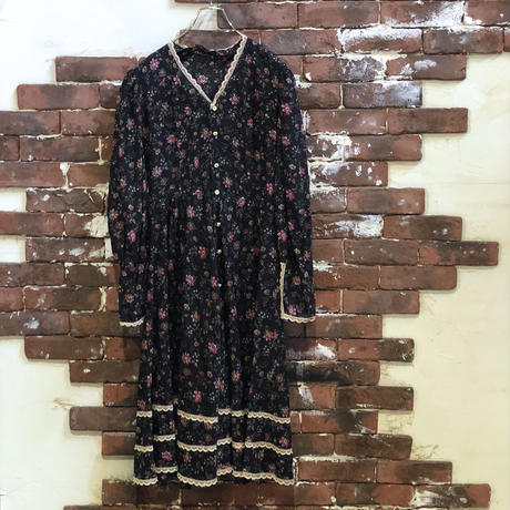 OLD LADIES COTTON FLOWER PRINT DRESS
