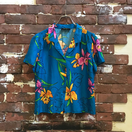 VINTAGE LADIES RAYON HAWAIIAN SHIRT