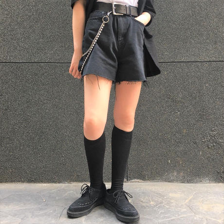 Semi Short Black Jeans