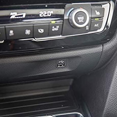 BMW純正USBポート移設キットBMW F30 F31 F32 F80 F33 F36 F82 F83 3シリーズ用