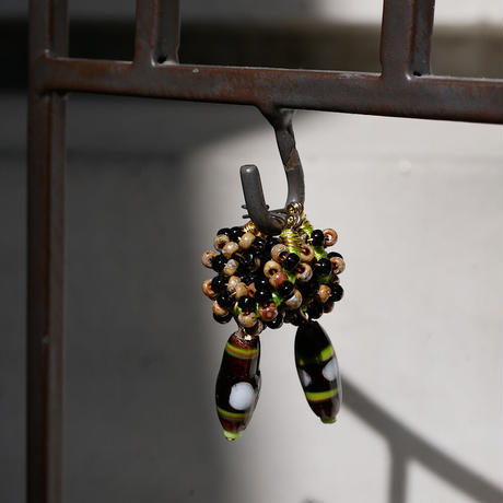 India grass pierce/earrings -black-