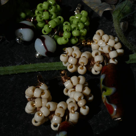 India grass pierce/earrings -cream-