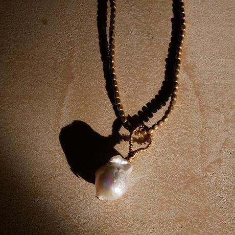 baroque pearl  necklace -b-