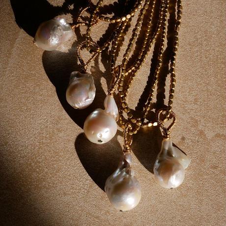 baroque pearl necklace -a-