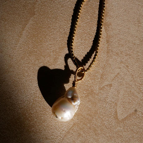 baroque pearl necklace -d-