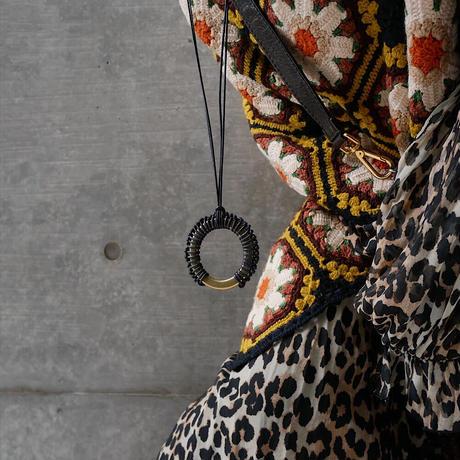 braid brass necklace BLACK