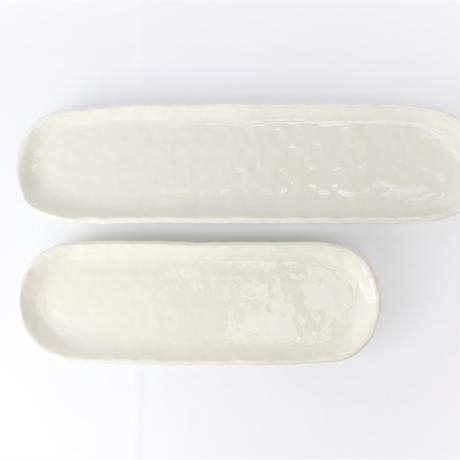 アイボリ- 13.0小判細長皿    く09-042-25 寸法:40.5×10.5×3H㎝ 720g