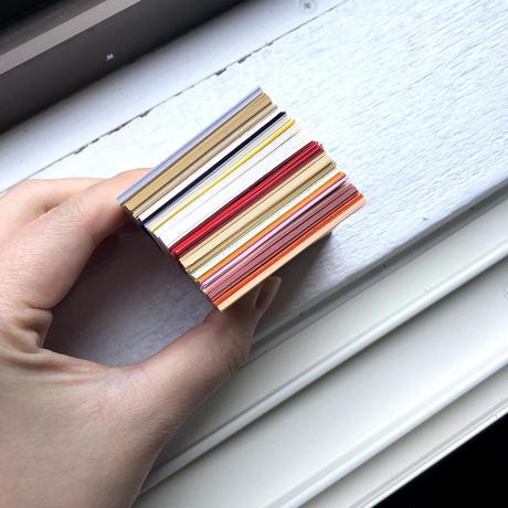 紙のミニ地層 (赤系)