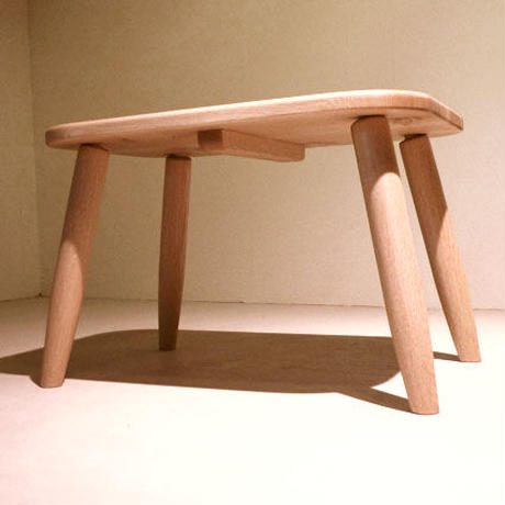 こどもテーブル「かどまる」