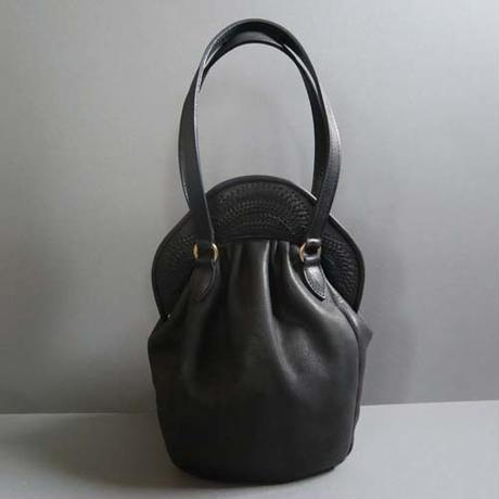 stitch hand bag (black)