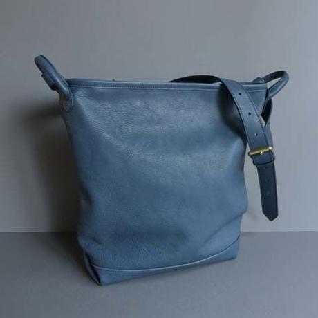 bucket shoulder bag      ( blue )