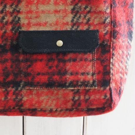冬のバッグ(横型・赤チェック)