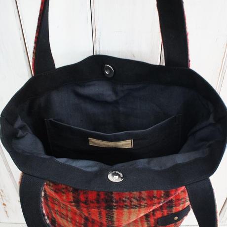 冬のバッグ(縦型・赤チェック)