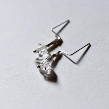 ハーキマーダイヤモンドとカレンシルバーのキャッチのいらないピアス