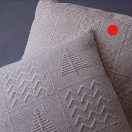 白糸刺繍「白いモザイクのクッション」【刺繍キット】
