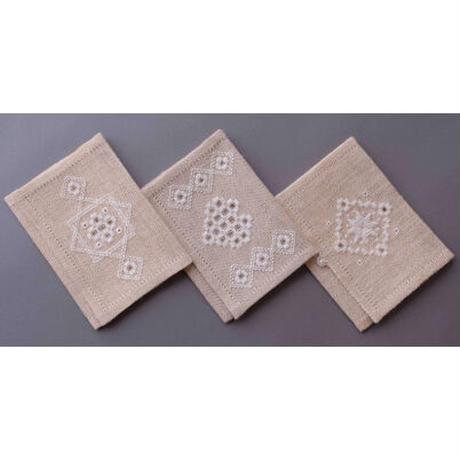 白糸刺繍「ヴィべケのティッシュケース」【刺繍キット】