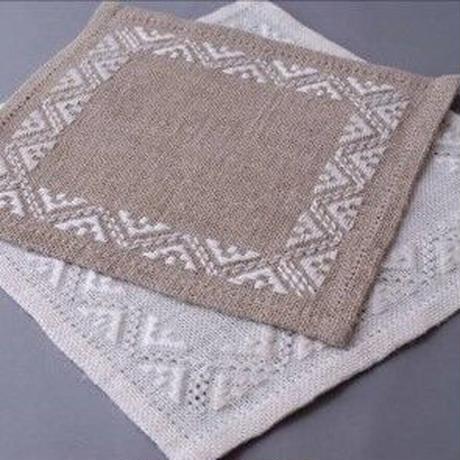 白糸刺繍「アンナのドイリー」【刺繍キット】
