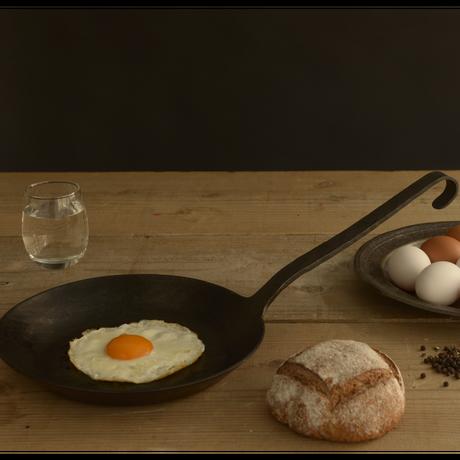【人生が変わる料理道具掲載】100年使える伝説のドイツ製フライパン!ターククラシックフライパン26cm