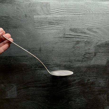 【人生が変わる料理道具掲載】柳宗理デザインの美しすぎる丸形フライ返し(ターナー)