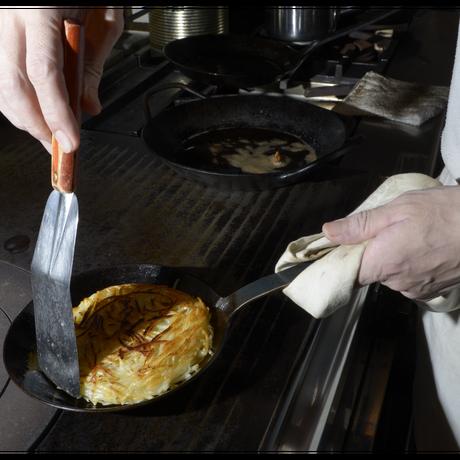 【人生が変わる料理道具掲載】100年使える伝説のドイツ製フライパン!ターククラシックフライパン18cm