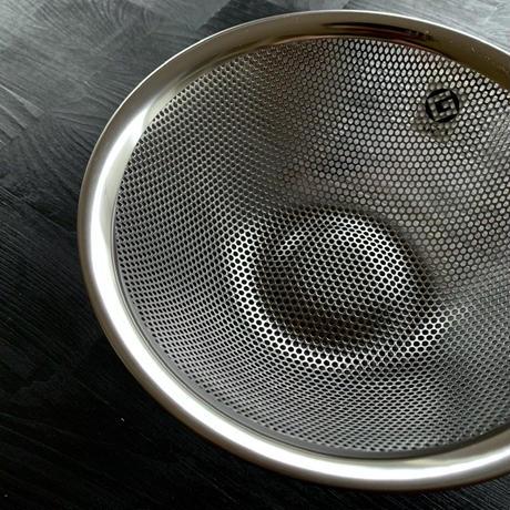 【人生が変わる料理道具掲載】柳宗理デザインのパンチングザル19cm