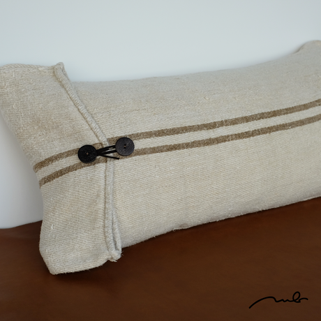grain sack cushion 03