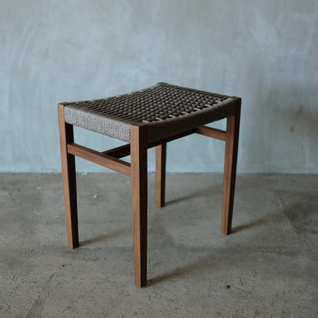 sain stool  / gray
