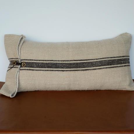 grain sack cushion 02
