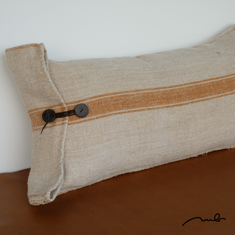 grain sack cushion 04