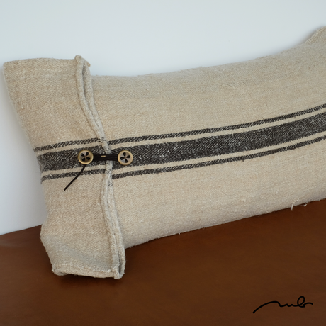 grain sack cushion 02