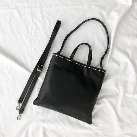 (受注販売)studs leather tote (black)