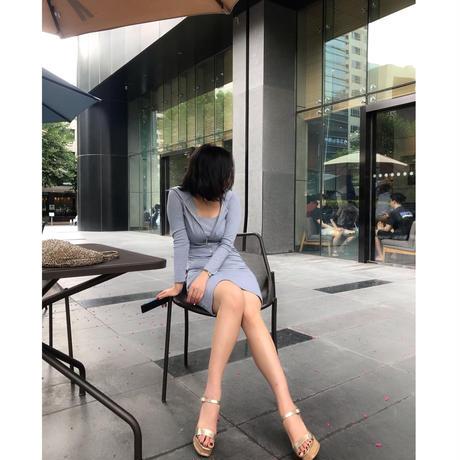 女優の空港ファッションセットアップ【パーカーとワンピースとセットアップ】