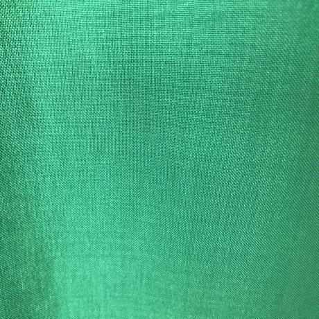 優雅なオフショルダーブラウス【グリーン】
