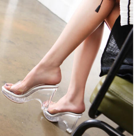 【4月26日まで10%OFF】シンデレラの美脚サンダル(韓国製)【撮影で多数使用】