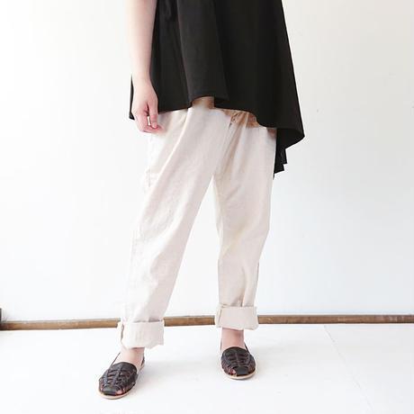 送料無料*ユニセックス*DE-NA-LI★デナリ★Tuck Tapered Pants(18S-1081)/ナチュラルとグレー