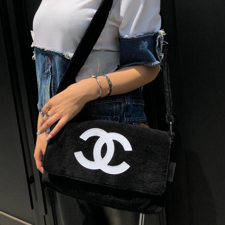 Vintage CHANEL NOVERTY PILE BAG/Black&White