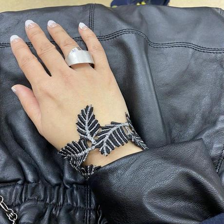 手が綺麗に見えるブレスレット