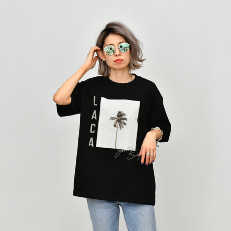 LACA Photo Graphic Relax Fit Tee / Black