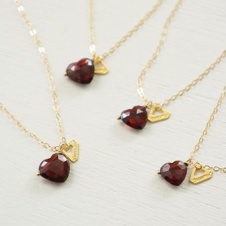 K14gf heart-shaped garnet necklace