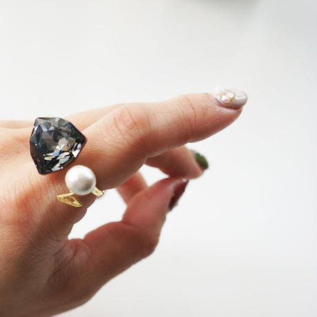 swarovski C ring black/gold