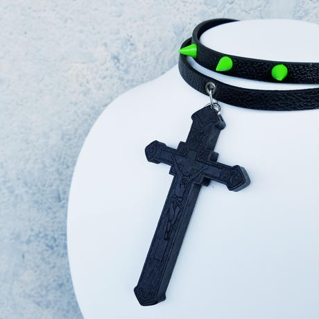 Big Cross 2ren Choker