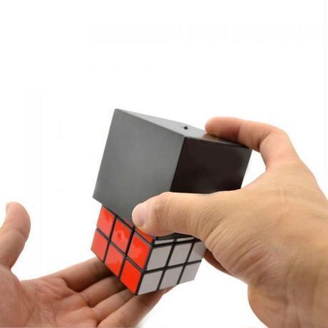 キューブを揃えるマジックで一番簡単にできる「魔法のキューブ」