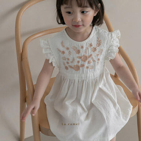 【ご予約】刺繍フリルワンピース