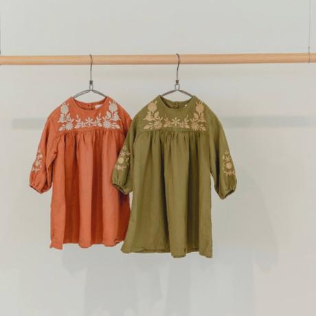 リナ刺繍ワンピース