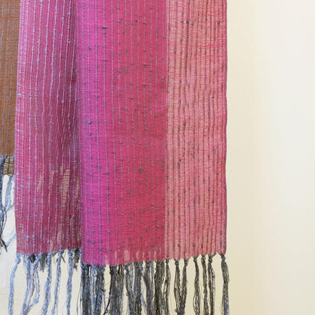 結城紬のショール 一年中 濃紅(こいくれない) 55245-4CHPNK  絹100%  日本製