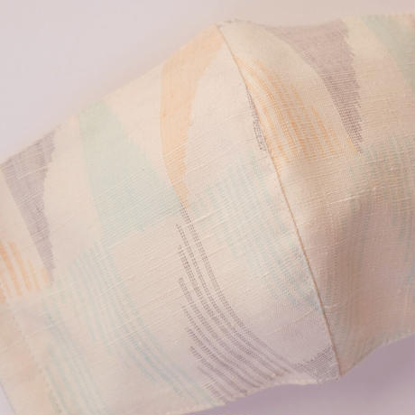 結城紬のマスク  カスリ  カーニバル 肌心地良い  表素材:絹100%