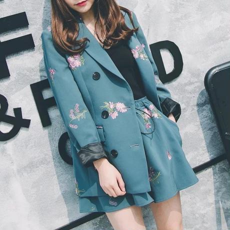 花柄刺繍ジャケット 二点セット 大人スタイル ショット丈パンツ