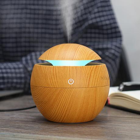 加湿器 超音波式 空気清浄機 7色に光る アロマ ディフューザ USB 乾燥 肌荒れ 風邪 花粉症予防 オフィス インテリア